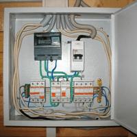 Монтаж, установка, замена, ремонт электрического щитка в Геленджике. Ремонт электрощита Геленджик. Индивидуальный квартирный электрощит в Геленджике